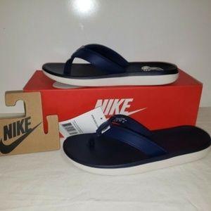 Nike Women's Flip Flops Size 8 Navy Blue & White N
